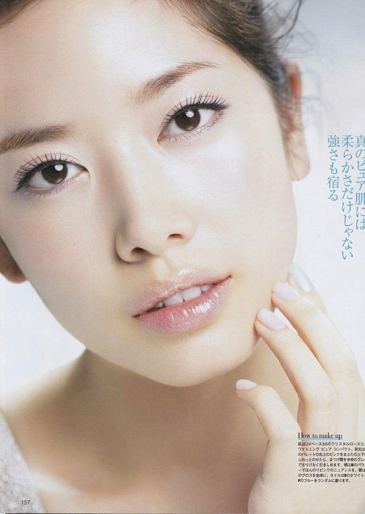 美的× Dior snow, April issue  Photograph: Yuichi Iwaya  Hair&Make-up: Riho Takahashi Styling:Yoko Namba Model: May Pakdee