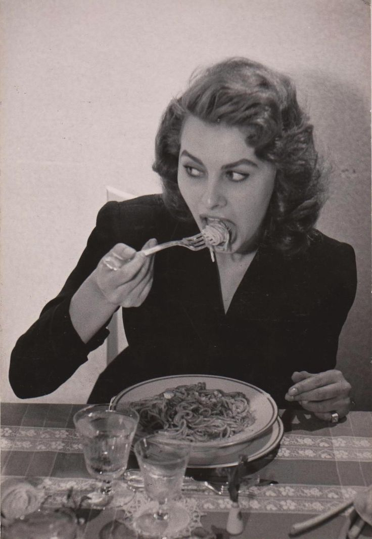 Sophia Loren Eat Spaghetti at Home Naples 1955 by Chim Seymour Original Vintage