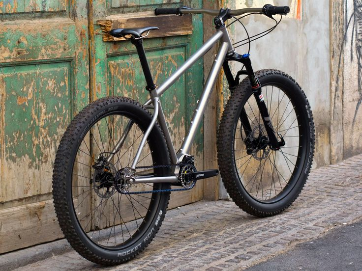 jeronimo-cycles_ti-mtb-pinion_275titanium-off-road-adventure-hardtail-mountain-bike_3-4-rear