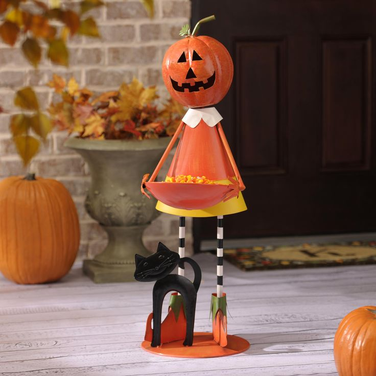 294 best halloween decorating images on pinterest happy halloween halloween ideas and halloween decorations - Metal Halloween Decorations