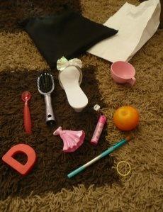 a SENSE OF TOUCH game: Princess Shoes, Education Ideas, Teaching Ideas, Senses Ideas, Tea Cups, Classroom Ideas, Bags