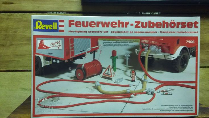 1/24 REVELL FIRE FIGHTERS ACCESSORY SET DIORAMA W GERMANY KIT FOUND IN STORAGE  #Revell