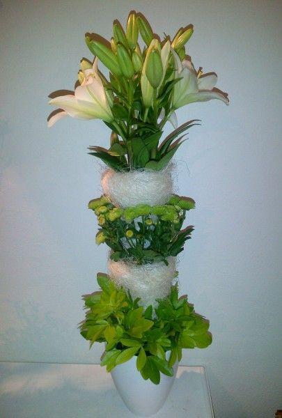 Tall centerpiece - Lilly, santini, choysia