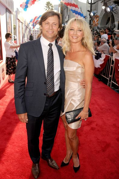 """Katherine La Nasa Photos Photos - Actors Grant Show (L) and Katherine LaNasa arrive at the premiere of Warner Bros. Pictures' """"The Campaign"""" at Grauman's Chinese Theatre on August 2, 2012 in Hollywood, California. - Premiere Of Warner Bros. Pictures' """"The Campaign"""" - Red Carpet"""
