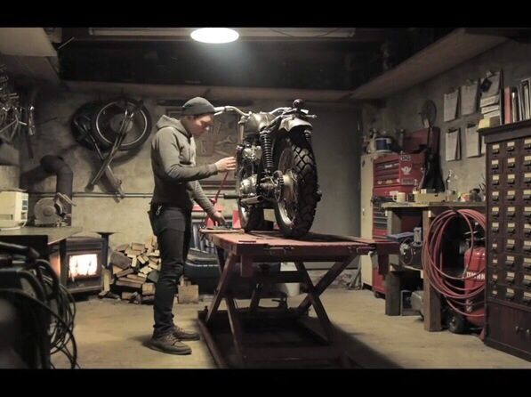 Best 25 Motorcycle Garage Ideas On Pinterest Motorcycle
