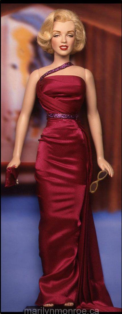 Kim Goodwin Marilyn Monroe dolls.  I want all these!!
