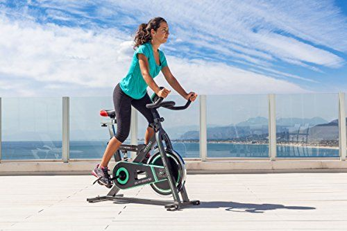 ¿Quieres empezar a hacer deporte pero no tienes tiempo? ¿Hace demasiado calor o demasiado frío? Apúntate al spinning. Es uno de los deportes más completos que te ayudarán a mantener la forma y bajar de peso, mejora el ritmo cardíaco y la presión arterial, tonifica, y lo mejor de todo, aumenta la ... http://gimnasioynutricion.com/tienda/bicicletas/estatica/bicicleta-de-spinning-intense-de-cecotec-amortiguador-pantalla-lcd-resistencia-variable-totalmente-ajustable-y-sil