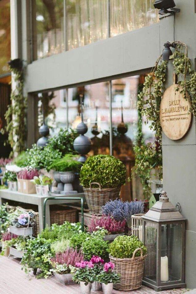 Awesome Florist Shop Design and Decor Ideas 25