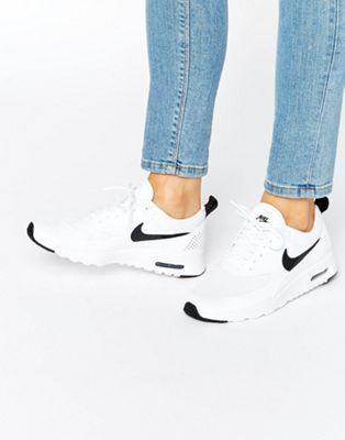 Черно-белые кроссовки Nike Air Max Thea