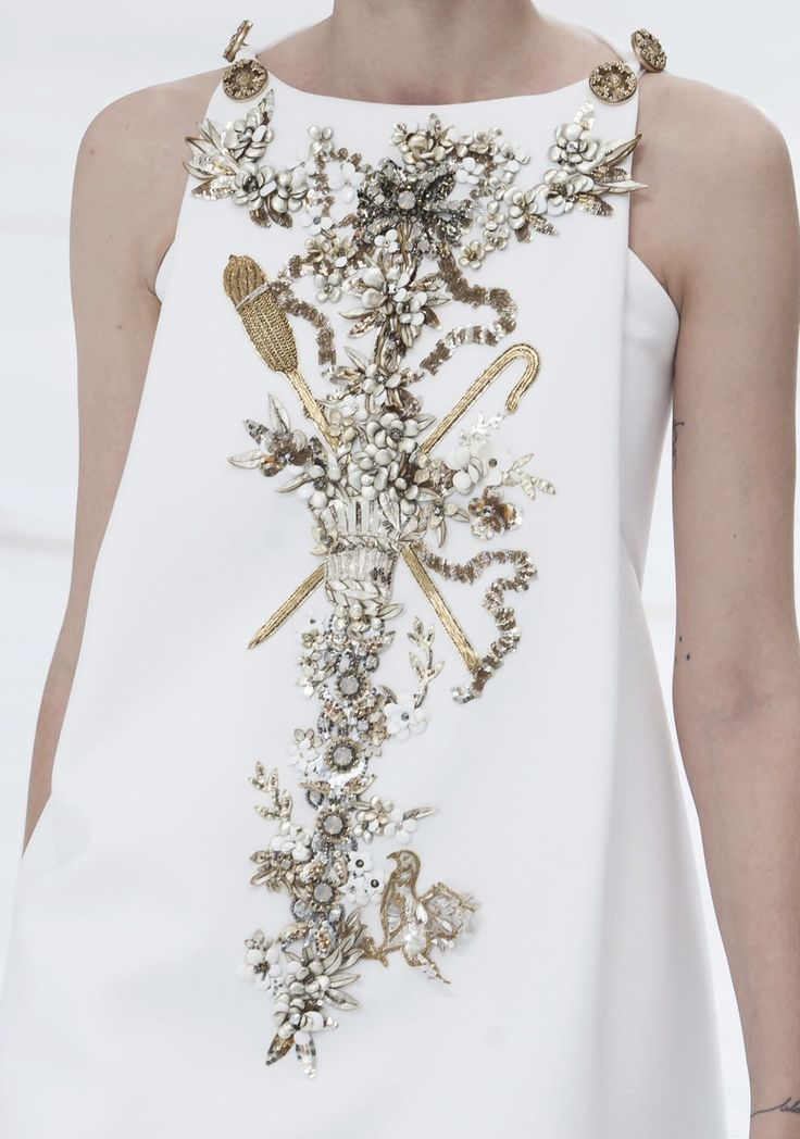 Chanel Haute Couture, Fall 2014. Sumptuous embroidery.