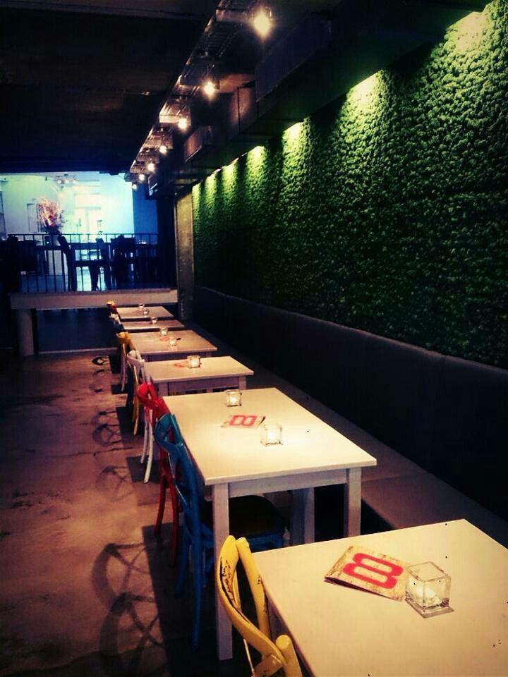 Bar/Restaurant  Acht Aachen loove the vertical green plants