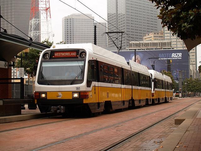DART light rail train in Dallas, Texas by edgebrook, via Flickr