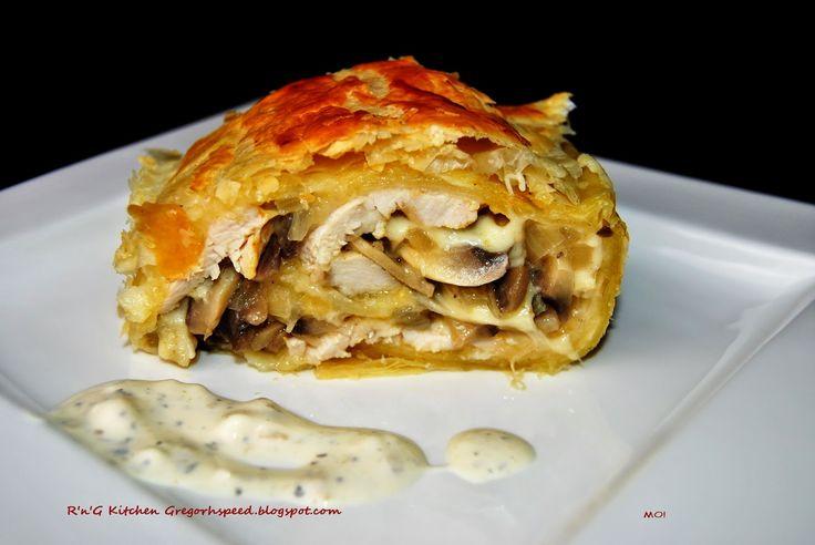 R'n'G Kitchen: Rolada z ciasta francuskiego z kurczakiem i piecza...