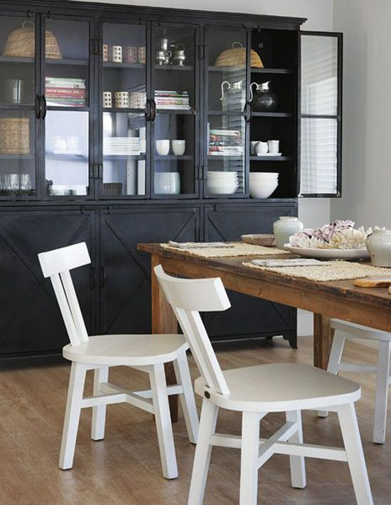 love the long table and black shelves