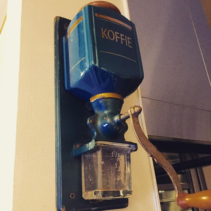#壁掛けコーヒーミル #コーヒーミル #ヴィンテージ #質感 #koffie #Holland #オランダ #コーヒー #coffeemill #Koffiemolen