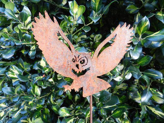 Rusty Metal Owl Garden decor / Owl Garden Art / Metal Owl