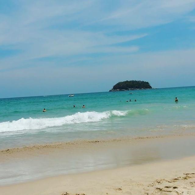 """As endless as the ocean, as timeless as the tides"" Listening to the waves is one of the most relaxing sounds to me. Do you agree? • • #ocean #beach #waves #beachwaves #beachday #asia #thailand #dametraveler #ladiesgoneglobal #wearetravelgirls #instagood #instatravel #viaje #viagem #viajes #viajar #travel #traveller #travelgram #instavideo #explore #phuket #thailandia by daydreamingtravels. phuket #beachwaves #traveller #dametraveler #ladiesgoneglobal #ocean #travelgram #instagood #travel…"