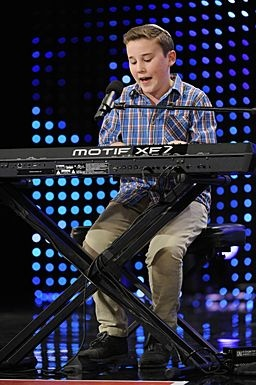 Edon at Austin Dell Hall #AGT / America's Got Talent: Photos, Bands, Finding Interesting, Boys, Hall Agt