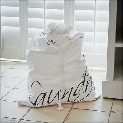 Mijn was netjes opgeborgen in deze handige, mooie laundry bag!