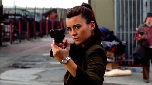 Cote De Pablo ... | Badass Women With Guns
