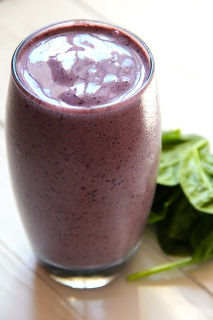 Smoothie blauwe bessen met spinazie. Lekker gezond bezig