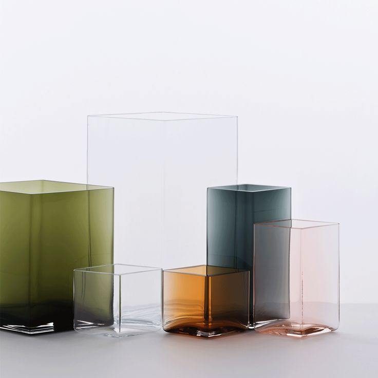 "iittala Ruutu Moss Green Vase – 7"" - iittala Ruutu Vases"