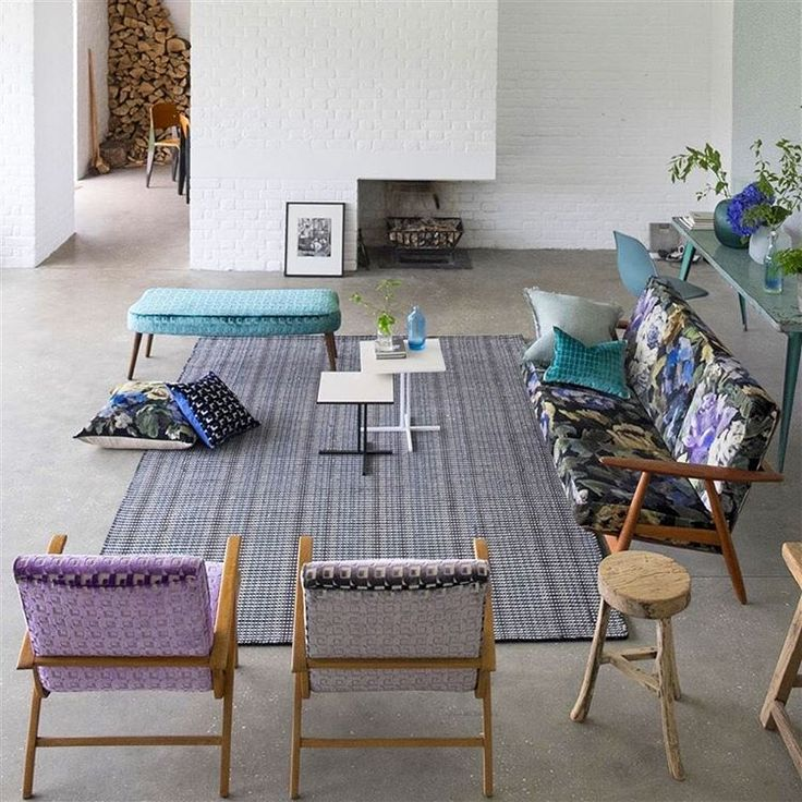 Our Ashbee rug is a hand-loomed eclectic and contemporary woolen rug, with a warm multi colour harmony of tones. A modern, classic rug that is as practical as it is beautiful. Now with an extra 15% off, click the link in our bio to view the range #designersguild #sale #rugs #interiors #interiordesign #interiorstyling #interiorandhome #interiorstyle #interiorinspo #homedecor #homedesign #homedecoration