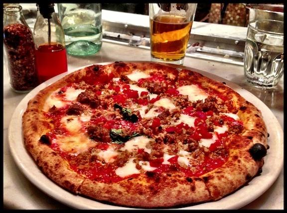 Victoria's Neapolitan @Pizzeria Prima Strada salciccia picante. Delizioso!