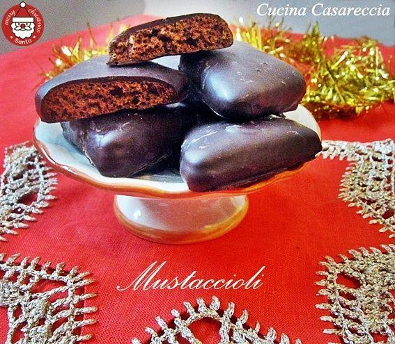 Mustaccioli ricetta dolci di Natale tipici della regione Campana ricetta eccezionale con foto passo passo della preparazione provateli sono eccezionali