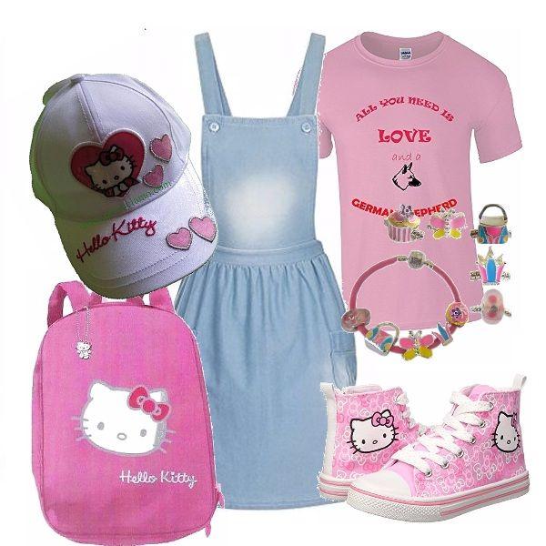 Outfit dedicato ad una bambina che non sa rinunciare al suo personaggio del cuore anche quando veste sportiva, lo zainetto le servirà per portare con se mille cose utili.