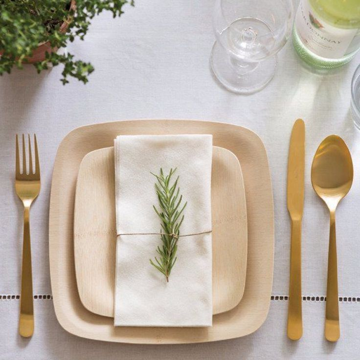 Bamboo plates with gold flatware