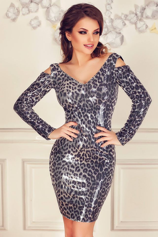 Perfect evening dress for this winter's events!