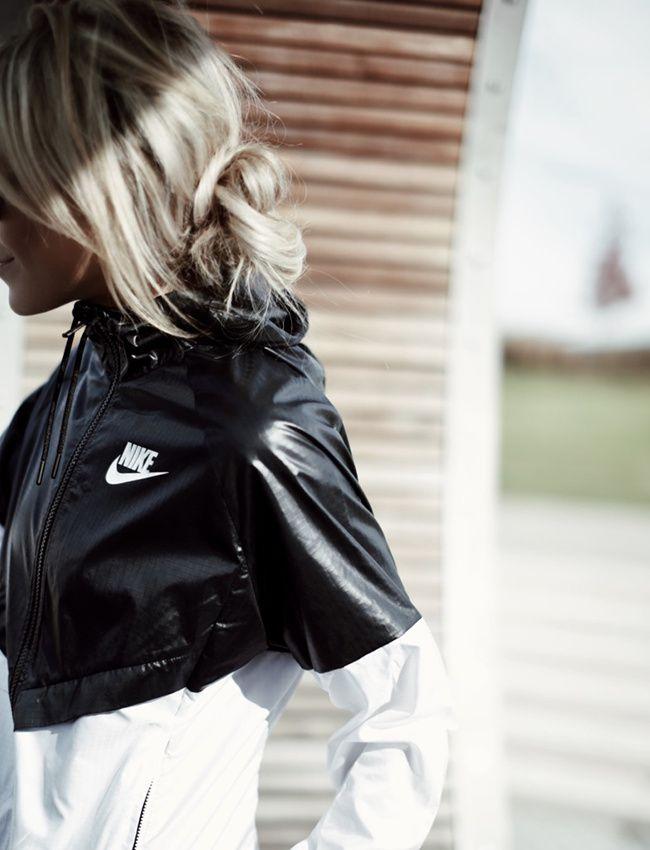 Rien de tel qu'une jolie tenue de sport pour se motiver pour aller courir ! (photo Happily Grey)