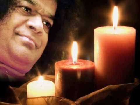 A full 55 mins version of Gayathri Mantra as taught by Sathya Sai Baba Himself. Graphic Art & Video by Sai Divine Inspirations. Visit : http://saidivineinspi...
