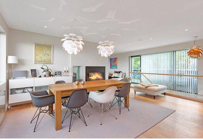 her har de valgt sette opp en vegg mellom spisestua og stua i den originale ura er det kun. Black Bedroom Furniture Sets. Home Design Ideas