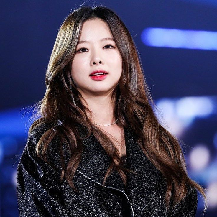 I Want Her To Choke Me Out Kpop Girls Korean Girl Groups South Korean Girls