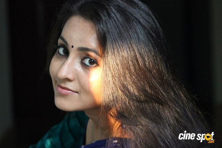 http://www.cinespot.net/gallery/d/1770061-1/bhama+actress+photos+_2__001.jpg