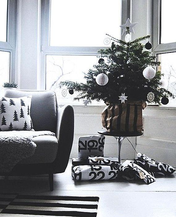 Black and White Calendar Wrapping Paper   ArtCream