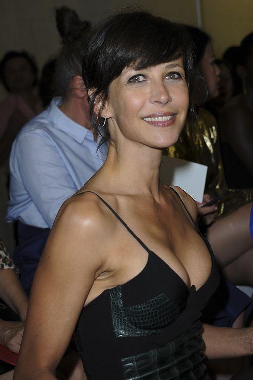 Sophie Marceau, rayonnante au défilé Haute Couture Alexandre Vauthier Automne Hiver 2015-2016, le 7 juillet.