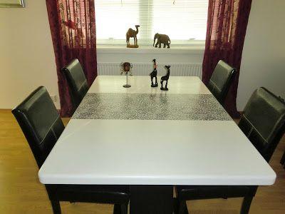 HJERTEHJORT: Et Dyrisk Spisestuebord!