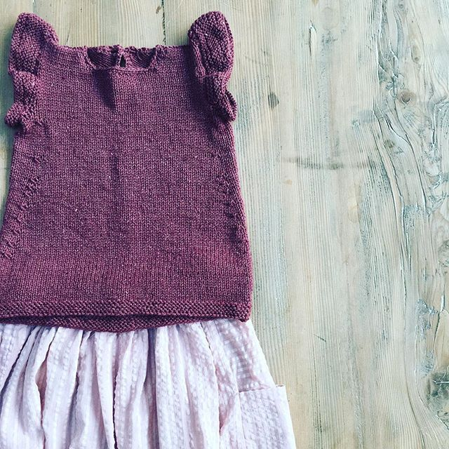 Outfit for Audrey. Perfect for an Aussie autumn. #quinceandco #paelas #sewersofinstagram #knittersofinstagram #fabricsgalorelondon #purlsohobusyhands #purlsoho #fabricsgalorelondon #nieces #thistookforever #agedfour