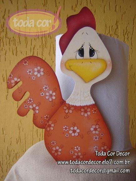 Porta rolo de papel em mdf, pintado com motivo de galinha.  Acabamento com verniz fosco.  Linda peça para decorar sua cozinha e também presentear ! R$54,00