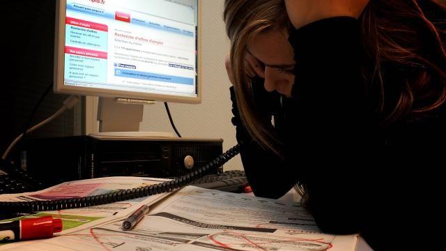 Les employeurs préfèrent largement les candidatures spontanées,  les agences d'intérim ou cabinets de recrutements ou leur réseau professionnel pour recruter du personnel.