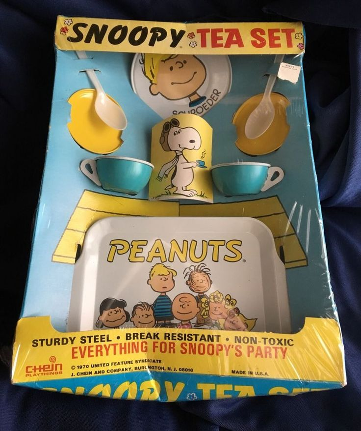 Vintage Snoopy Peanuts Tin Tea Set Toy Mint In Box