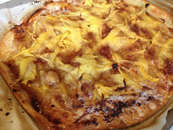Pizza de melocotón y vainilla