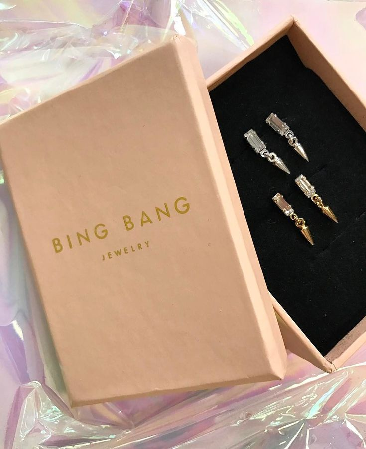 Special delivery from @bingbangnyc 💕✨ Shop these baguette bullet drop earrings via the link in our bio—on sale today only! #SOdomino
