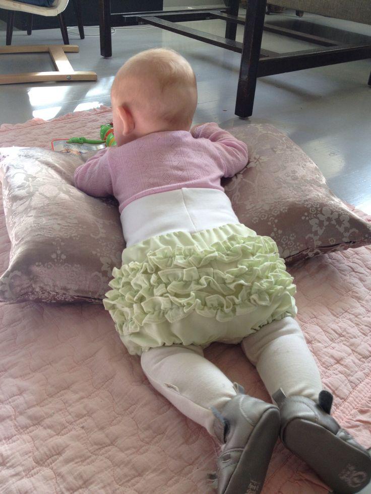 Rysjetruse til baby. Gjenbruk av stoff fra en gammel kjole.