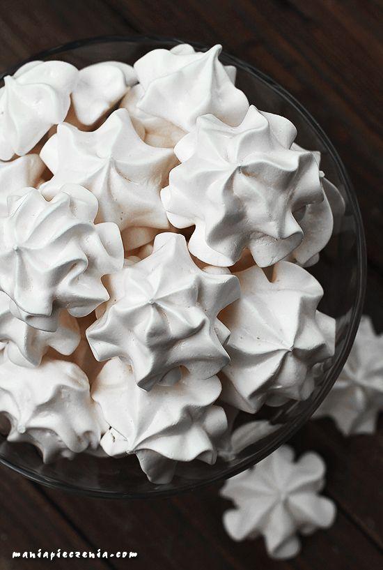 bezy, jak upiec bezy, białe bezy, meringues, white meringues, klasyczne bezy, classic meringues