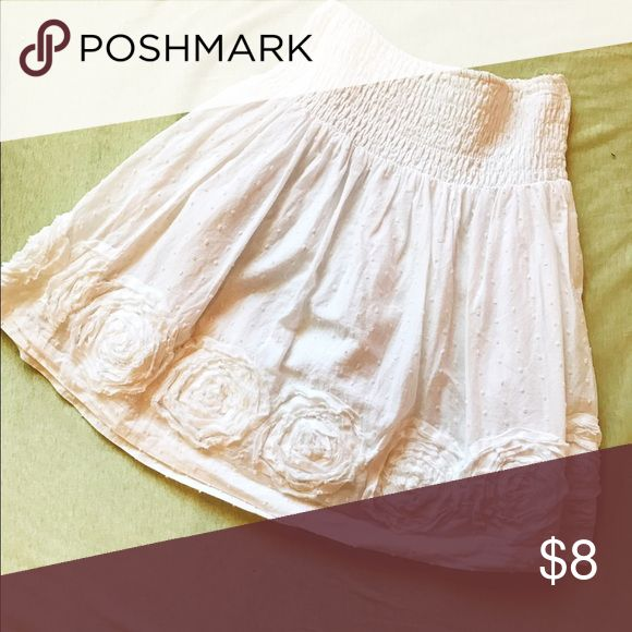 White high waisted skirt with floral embellishment The cutest white high waisted skirt embellished with flowers around the trim. Light and airy, perfect for a hot summer day! Charlotte Russe Skirts Mini