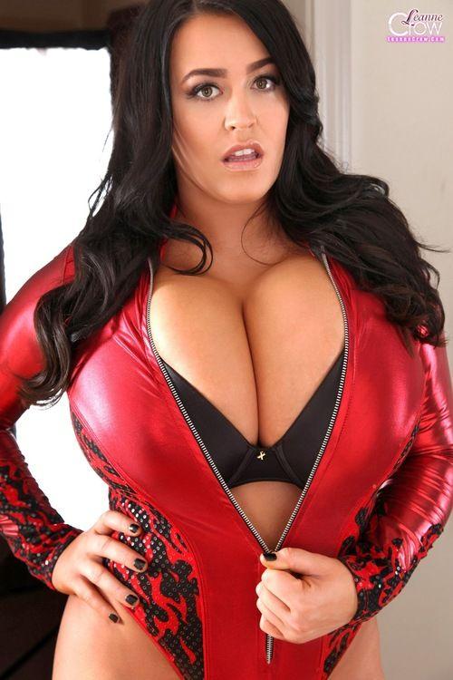 Leanne crow big sexy boobs
